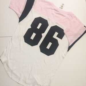 VS PINK tee shirt size XS nwt